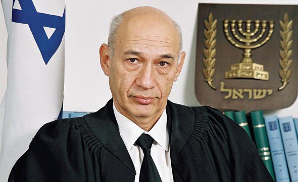 השופט דן מור שפרש על רקע חשדות להתנהגות לא הולמת
