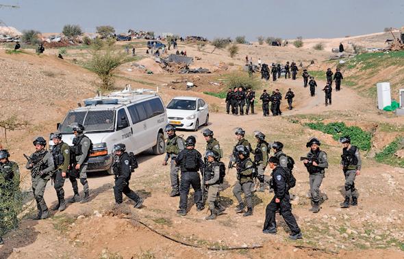 הריסת בתים באום אל־חיראן, שם נהרג מפגין מאש שוטרים