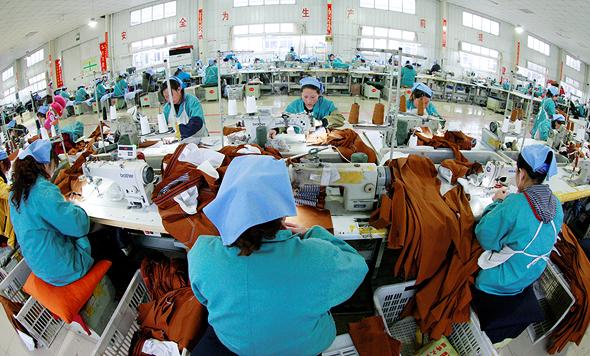 מפעל בסין, צילום: רויטרס