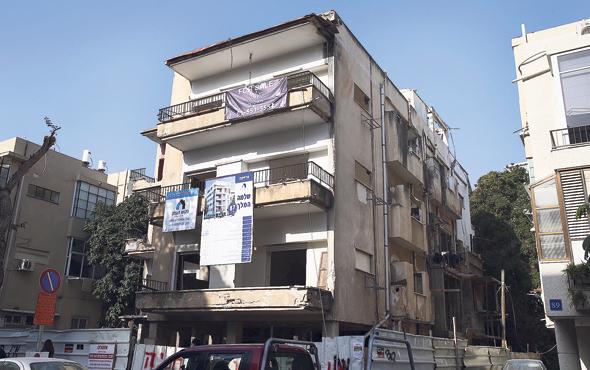 בנייה בתל אביב. המשרד ייצג את הדיירים, והקבלן ביקש כי יעבוד בעתיד גם מטעמו