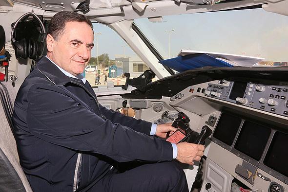 שר התחבורה ישראל כץ מ חנוכת קו הטיסות חיפה  אתונה, צילום: דוברות משרד תחבורה