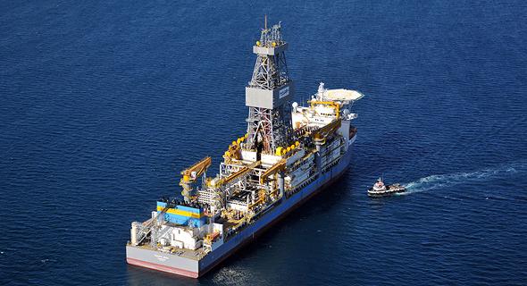 ספינת מתק שירותי קידוח תת ימיים. פסיפיק דרילינג