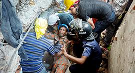 קריסת ראנה פלאזה לפני שלוש שנים ב בנגלדש, צילום: בלומברג