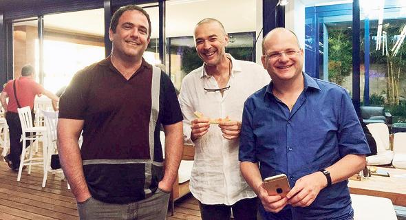 נכט (במרכז) עם שויד (מימין) וקרמר, במפגש נדיר לפני שנה. כל מי שנגע בצ'ק פוינט בתחילת דרכה נהפך לעשיר מאוד