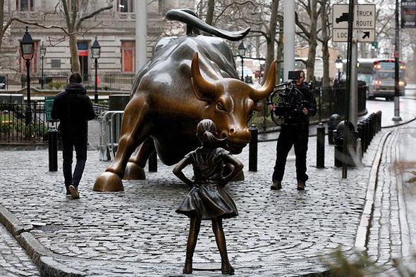פסל הילדה מוול סטריט