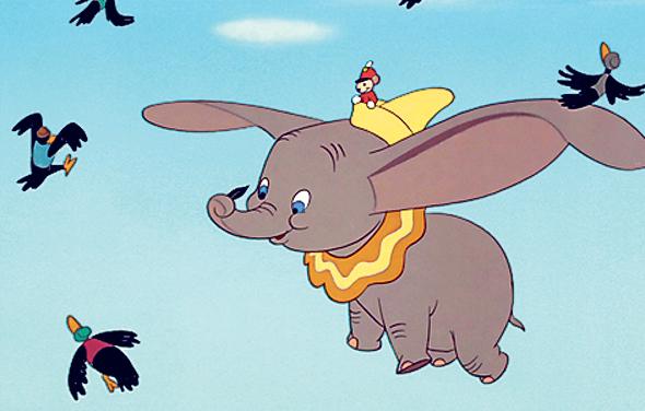 דמבו הפיל המעופף. קבלה עצמית של הגיבור החריג מהדהדת יציאות מהארון