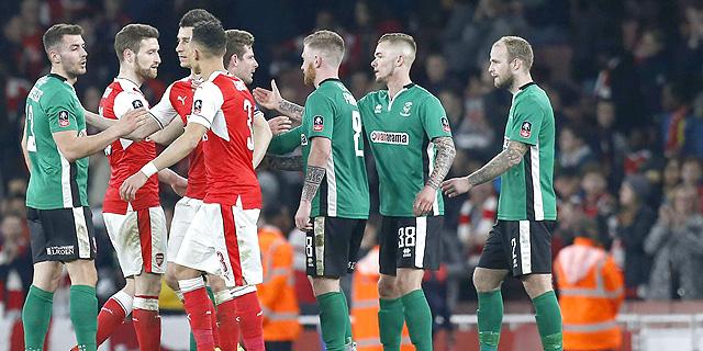 התאחדות הכדורגל האנגלית מוותרת על כסף מסוכנויות ההימורים