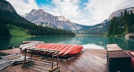 פוטו מלונות על הנהר לודג בנהר אמרלד קולומביה הבריטית קנדה , צילום: שאטרסטוק