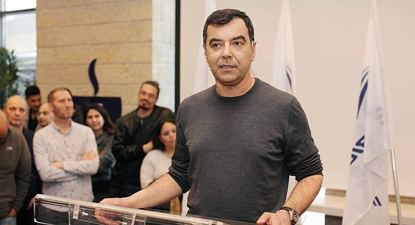 פרופ' אמנון שעשוע ממייסדי החברה ב כנס מכירת מובילאיי עובדי החברה, צילום: רענן כהן