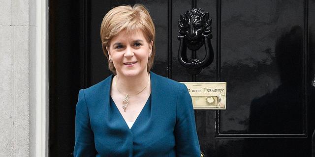 השרה הראשונה עמדה במילתה: סקוטלנד תדרוש משאל עם על עצמאותה