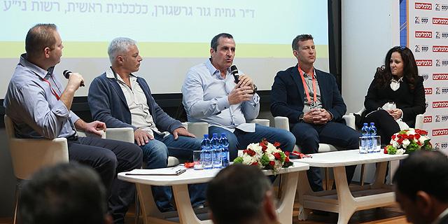 מימין: גור גרשגורן, שרצקי, וולדמן, יוחננוף וקורץ, צילום: אוראל כהן