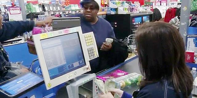 """יש אינפלציה? מדד המחירים לצרכן בארה""""ב נותר ללא שינוי ביוני"""