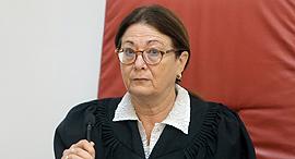 אסתר חיות שופטת בית המשפט העליון , צילום: אלכס קולומויסקי