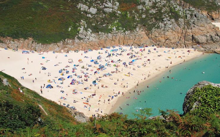 פורטצ'ורנו ביץ' (Porthcurno Beach), קורנוול