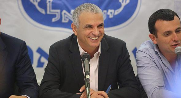 משה כחלון שר האוצר מסיבת עיתונאים רשות השידור, צילום: מוטי קמחי
