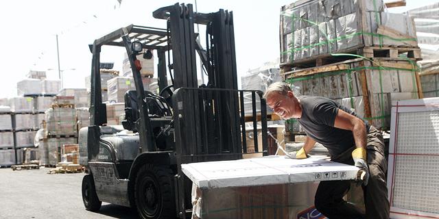נגב קרמיקה סוגרת את המפעל בירוחם, 120 העובדים יפוטרו; ההסתדרות הגישה בקשה לצו מניעה נגד המהלך