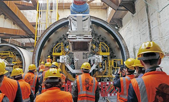 הקמת הרכבת הקלה בתל אביב, צילום: עמית שעל