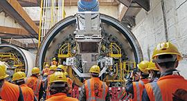 עבודות להקמת הרכבת הקלה בתל אביב, צילום: עמית שעל