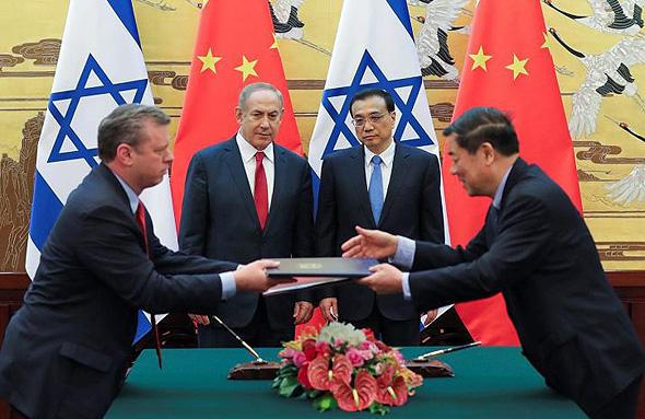 ראש ממשלת סין לי קגיאנג ראש ממשלת ישראל בנימין נתניהו טקס חתימת הסכמים, צילום: רויטרס