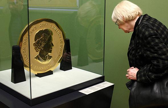 """מטבע הזהב במשקל 90 ק""""ג שנגנב מהמוזיאון בברלין, צילום: אי פי איי"""