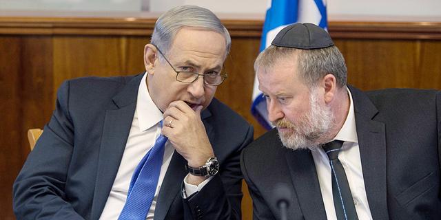 Netanyahu (left) and Mandelblit. Photo: Ohad Zwigenberg