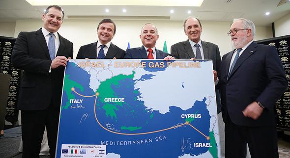 יובל שטייניץ שר האנרגיה מסיבת עיתונאים עם מקבילים מהאיחוד האירופי, צילום: אוראל כהן