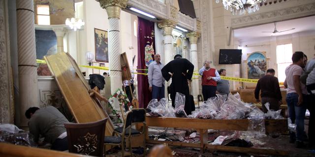 כוננות במצרים: א-סיסי הכריז על מצב חירום לשלושה חודשים