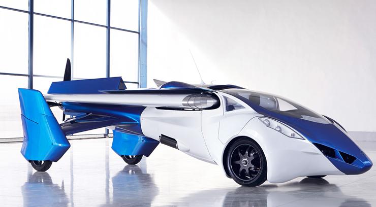 המכונית המעופפת של אירו מוביל. החברה החלה לפתח את הרעיון ב-1990