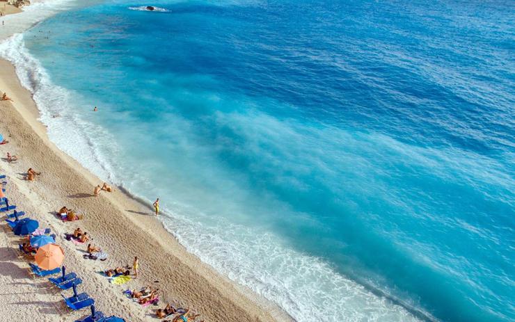 חוף אגרמנוי ביוון, צילום: גטי אימג