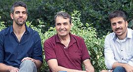 """מייסדי ReachMore מימין עו""""ד אורי הכהן ד""""ר יעקב צימרמן המנכ""""ל גדי ורדי, צילום: אוראל כהן"""