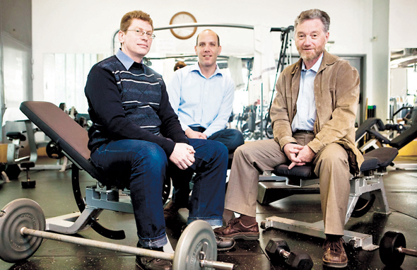 מימין: בוריס גולדברג, ויטלי תבור ושרון וגנר, מייסדי חברת קלאודין