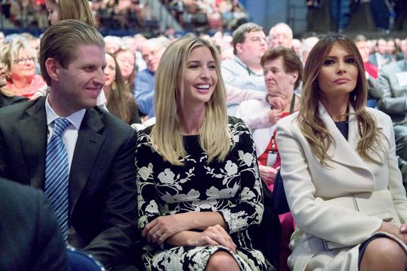 מימין: אשתו של טראמפ מלניה וילדיו איוונקה ואריק, צילום: בלומברג
