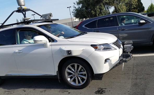 תמונה של מכונית ממיזם הרכב של אפל