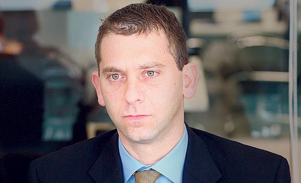 """גיורא אלמוגי מנכ""""ל OPC"""