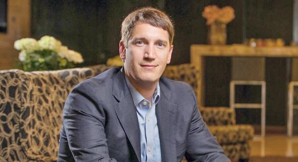 כריס אקברי, בעלי חברת ITEX