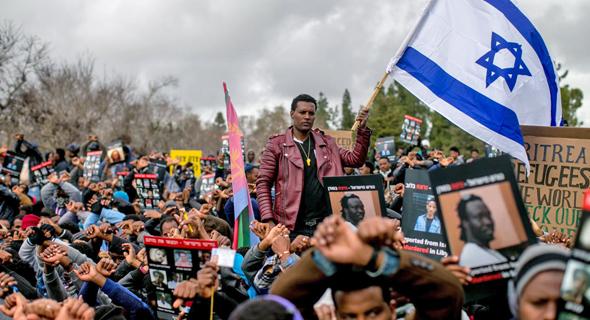 הפגנת מבקשי מקלט בירושלים בינואר האחרון, צילום: אוהד צויגנברג