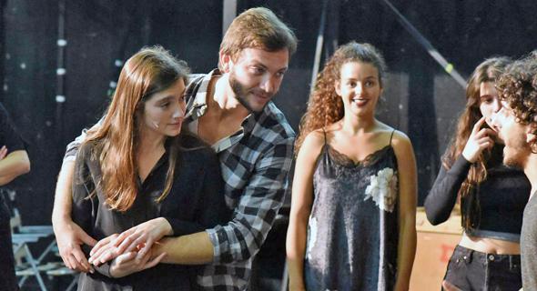"""עוז זהבי ואליאנה תדהר בהצגה """"פשוט לאהוב אותך"""", צילום: ערן לביא"""