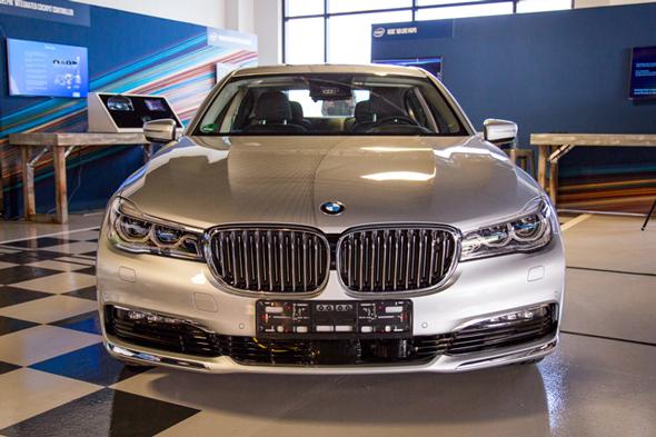 המכונית החכמה של BMW, שהוצגה באירוע, צילום: אינטל