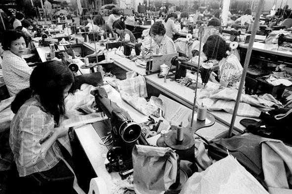 עובדות בתעשיית הטקסטיל בניו יורק