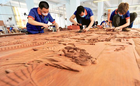 ייצור פריטים מרוזווד בסין