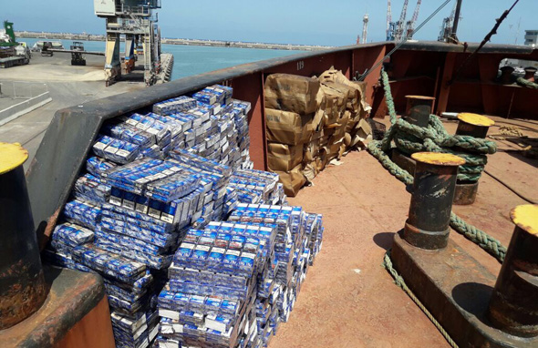 הברחת סיגריות באוניה