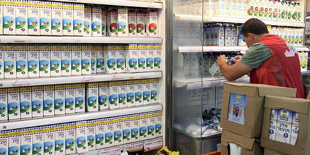 ועדת הכספים מאיימת בהוראת שעה שתאפשר ייקור החלב לצרכן בלי חתימת כחלון