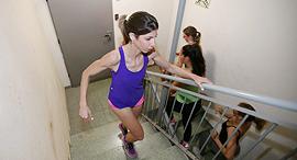 אימון מדרגות מועדון כושר זאוס רמת גן פנאי, צילום: נמרוד גליקמן