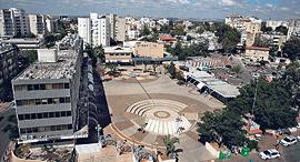 מתחם עיריית לוד כיכר ה קומנדו, צילום: צפריר אביוב