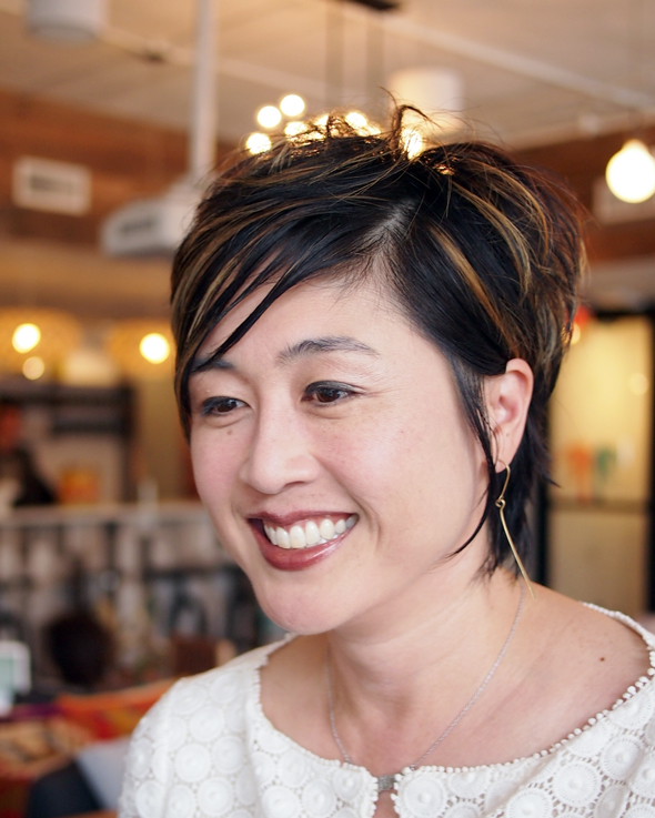ג'ן לים, מחברת הספר Delivering Happiness