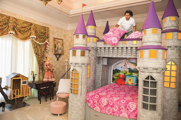 חדר הילדים באחוזת סיגל, פלורידה. השחזור של ארמון ורסאי נהפך לעיקול ענקי
