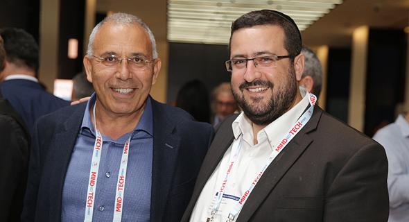 מימין: משה פרידמן ופנחס בוכריס, צילום: אוראל כהן