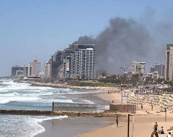 שריפה ב מגדל בשלבי בנייה ברחוב הירקון ב תל אביב 2