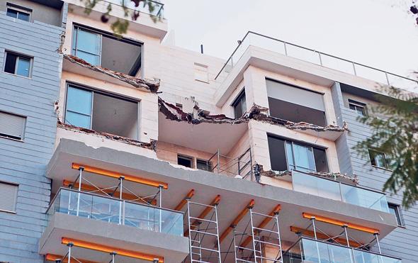 קריסת המרפסות בחדרה