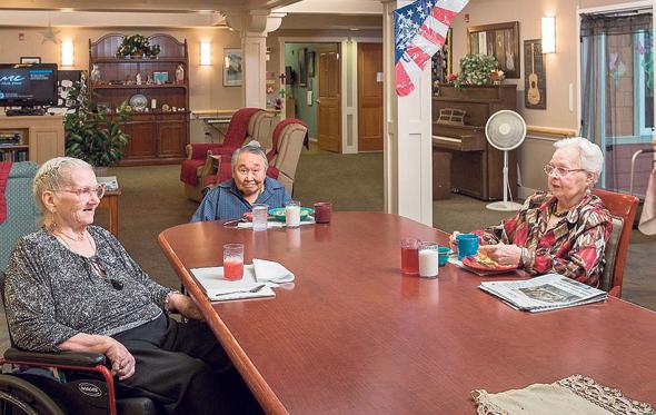 דיור מוגן במודל חממה באלסקה. אווירה ביתית לקשישים סיעודיים